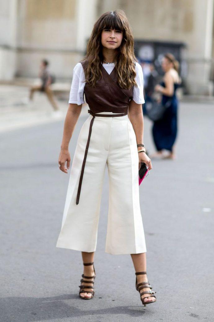 Образ с белыми брюками кюлотами