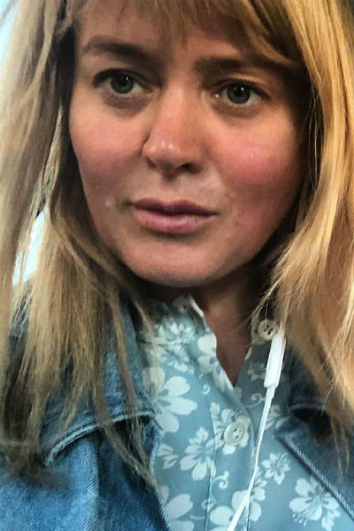 Селфи Михалковой без макияжа
