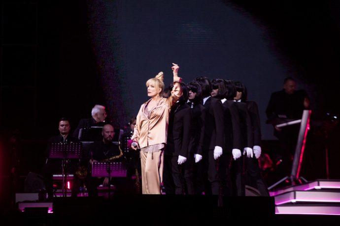 Лайма Вайкуле на сцене