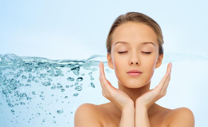 Как увлажнить кожу лица летом: только лучшие способы специально для тебя