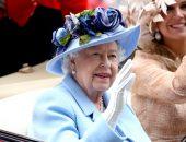 Елизавета II взяла под контроль жизнь принца Гарри и его жены