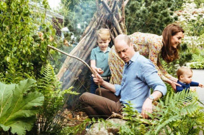 Герцоги Кембриджские на природе с детьми