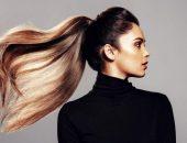 Девушка с длинными волосами, собранными в конский хвост