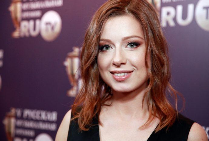 Юлия Савичева впервые показала дочь Анну