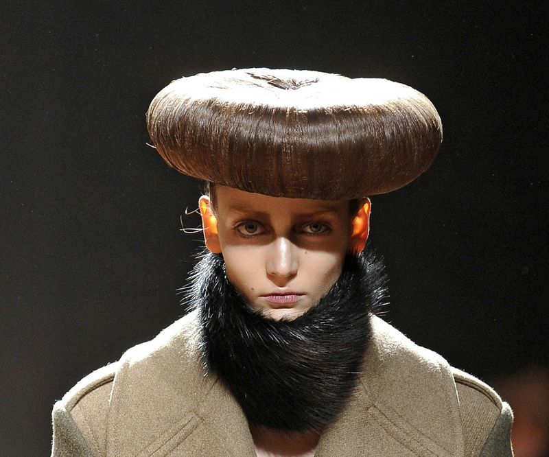 Ужасный маникюр, нелепые причёски, креативные брови и ещё несколько статей о том, как не надо делать