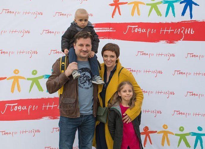 семья Нелли Уваровой