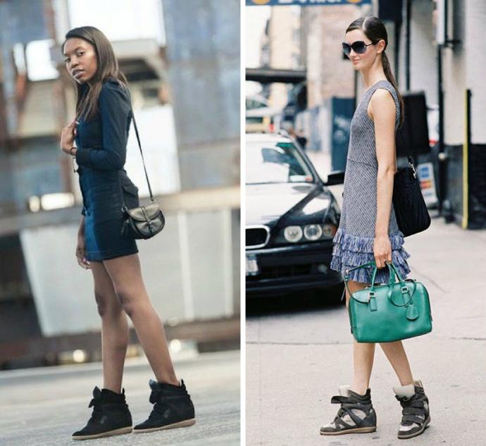 Мини-платье с массивными кроссовками