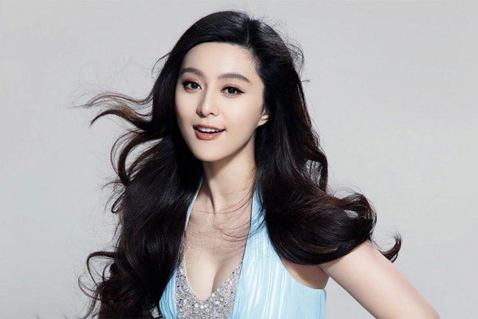 Китаянка улыбается