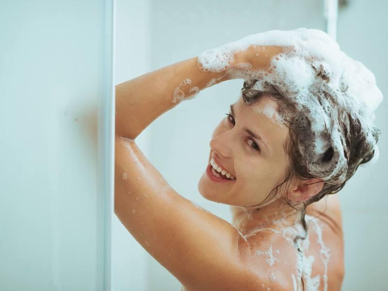 10 хитростей, которые помогут мыть волосы реже