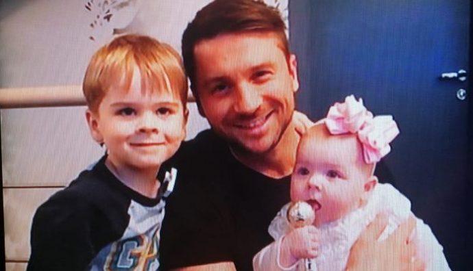 Сергей Лазарев с сыном и дочерью