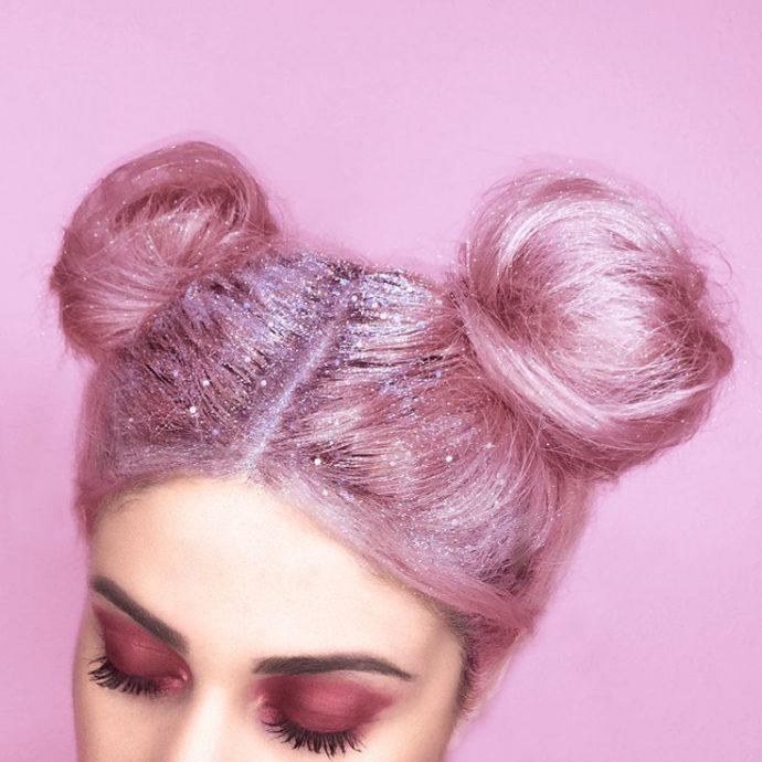 Лак с блёстками на волосах