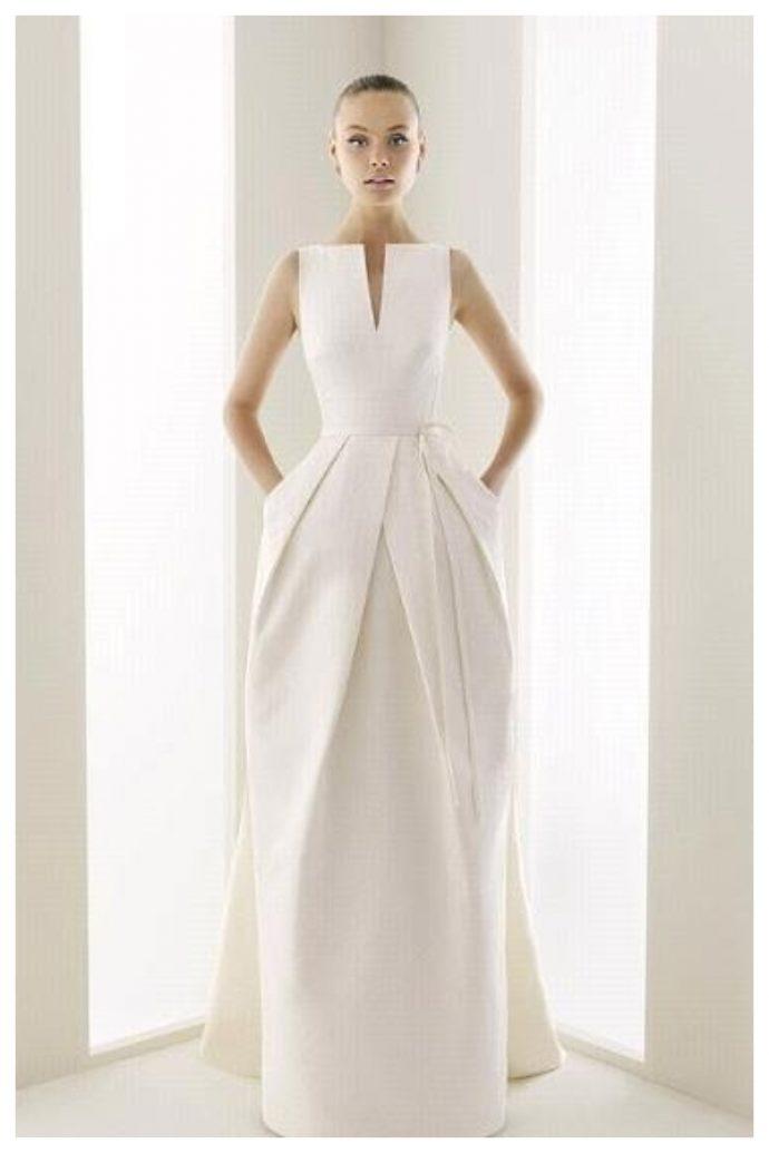 Девушка в оригинальном геометричном свадебном платье