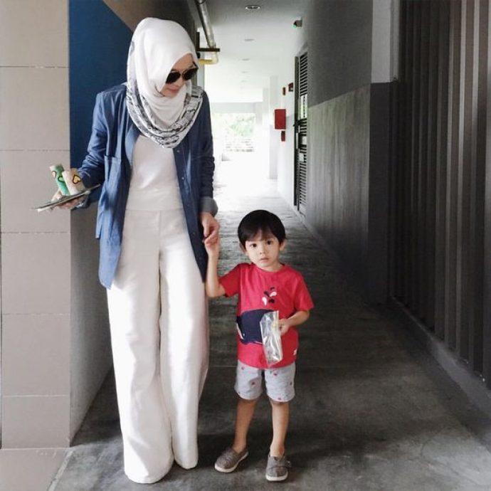 Девушка мусульманка в брючном костюме