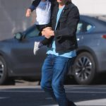 Эштон Кутчер с сыном Дмитрием