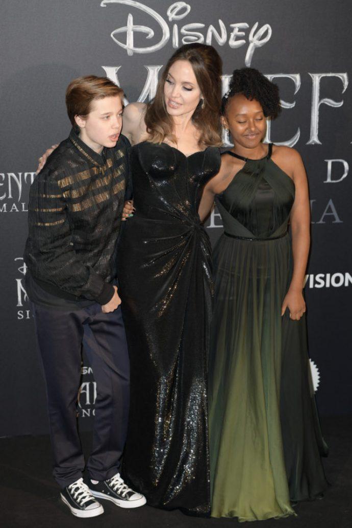 Джоли с детьми на премьере «Малефисенты»